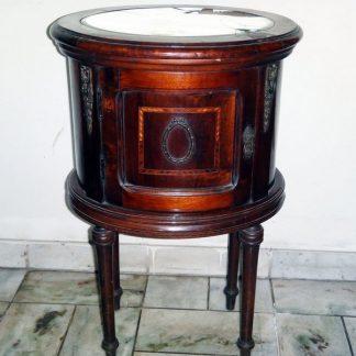 Criado Mudo Oval Antigo Em Madeira Década De 50 com espelho- Piniqueira - Mancha de madeira