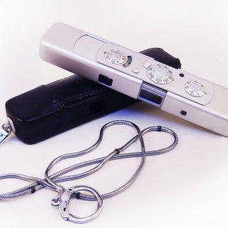 Minox C, antiga câmera mini espiã, década 60-70, guerra fria