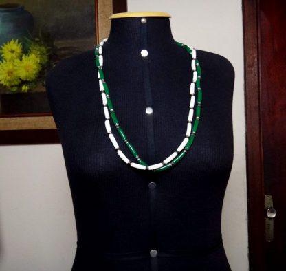 Bijoux, Colar verde, branco e dourado, Fashion Itália anos 70
