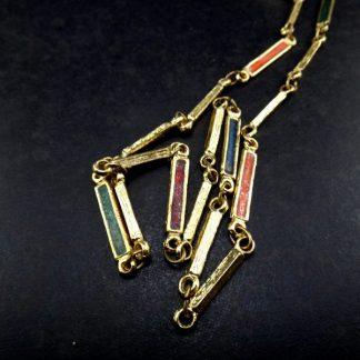 Bijoux, Colar em metal dourado c/ apliques color, Fashion Itália anos 70